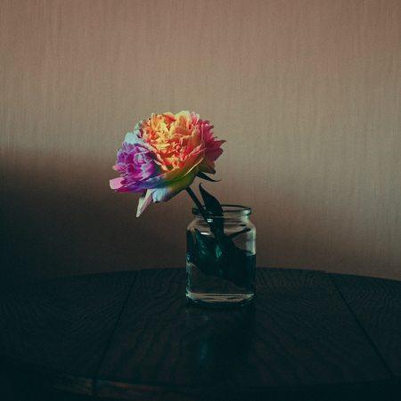 Hyvaksyminen ja hetkessa elaminen kuinka toimia haastavissakin tilanteissa itseaan kuunnellen